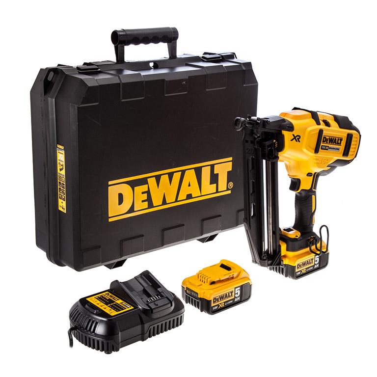 Акумулаторен такер DEWALT DCN660P2